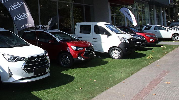 ¿Por qué se vendieron tantos autos nuevos en 2018? Cifra récord llega a 417 mil unidades y Gobierno celebra
