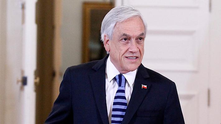 Piñera arriba a Santiago en una jornada marcada por críticas a Chadwick por caso Catrillanca