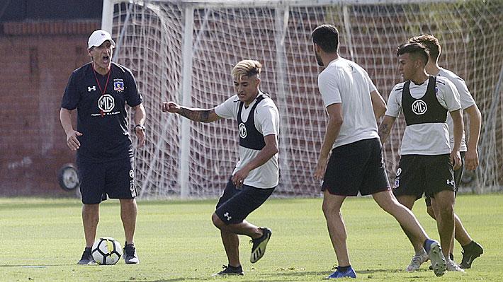 """Juan Carlos Gaete estaría """"arrepentido"""" de cambiar de club y buscaría """"desesperadamente"""" una salida de Colo Colo"""