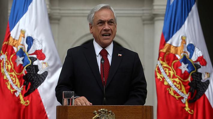 """Piñera dice que Chadwick """"cuenta con toda mi confianza"""" y llama a la oposición a no perseverar con acusación constitucional"""