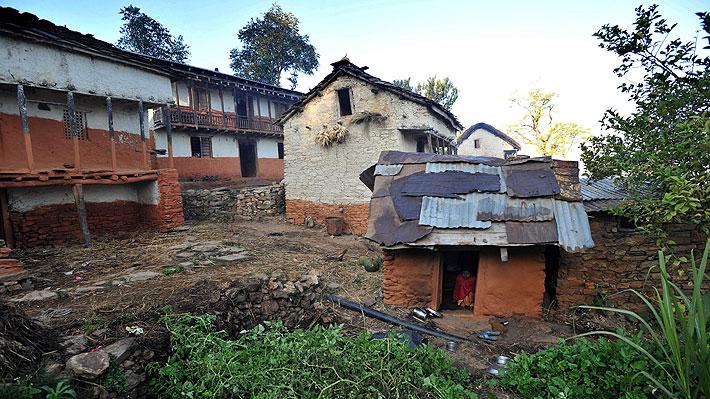 Mujer nepalí muere junto a sus dos hijos debido a discriminatoria práctica que considera la menstruación impura