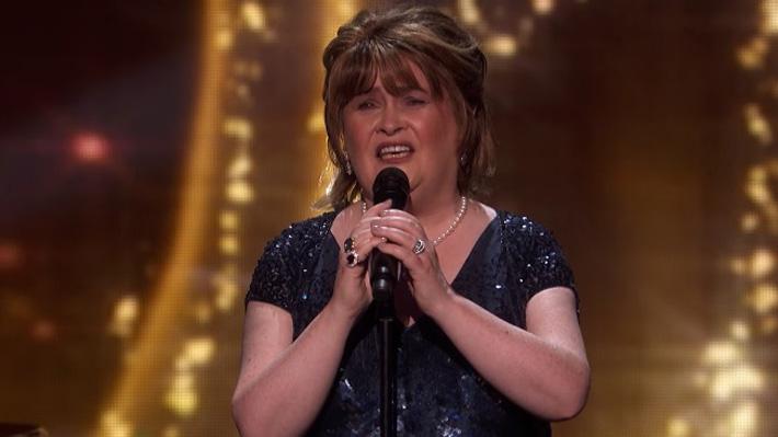 """Video: El sorpresivo regreso de Susan Boyle a la televisión en el escenario de """"America's Got Talent"""""""