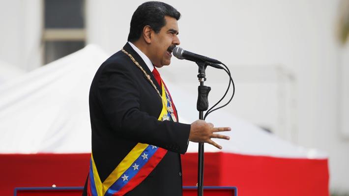 """Maduro desestima acciones del Parlamento y dice que seguirá ejerciendo funciones """"con firmeza y valentía"""""""