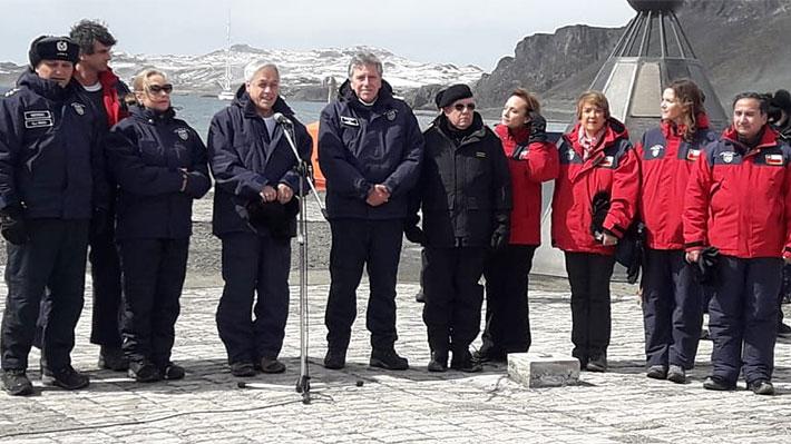 """Piñera anuncia modernización de base Eduardo Frei Montalva en la Antártica para que Chile tenga """"una presencia sólida"""""""