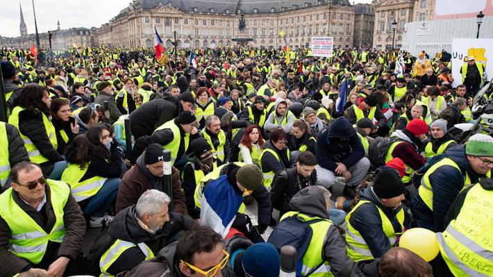 """Cerca de 84 mil """"chalecos amarillos"""" se manifestaron en una nueva jornada de protestas en Francia"""