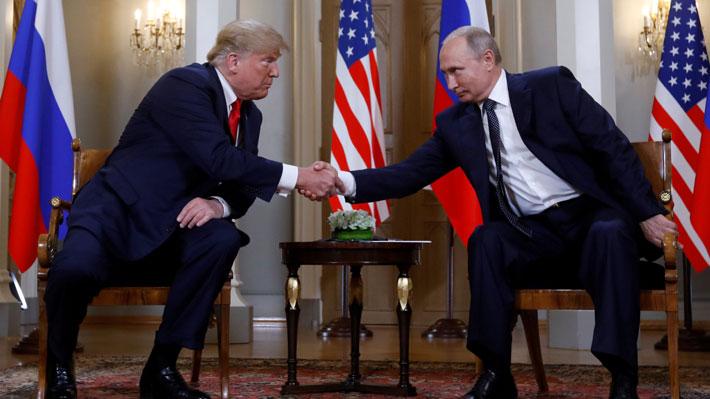 Continúa polémica que vincula a Donald Trump con el gobierno de Vladimir Putin