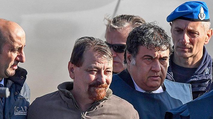 Ex guerrillero italiano Cesare Battisti llega a Roma tras ser detenido en Bolivia