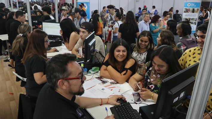 Más de 124 mil personas fueron seleccionadas en las 41 universidades del SUA: 74 mil quedaron en su primera opción