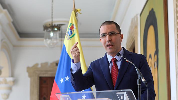"""Venezuela acusa a Chile y otros 10 países de estar detrás de """"planes desestabilizadores"""" contra Maduro"""