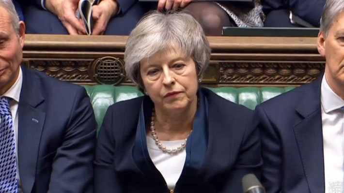 Theresa May llama a respetar referéndum sobre el Brexit antes de crucial votación en el Parlamento