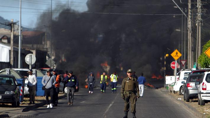 """Pescadores industriales protestan en vía que une Talcahuano con Concepción en rechazo a la """"ley de la Jibia"""""""