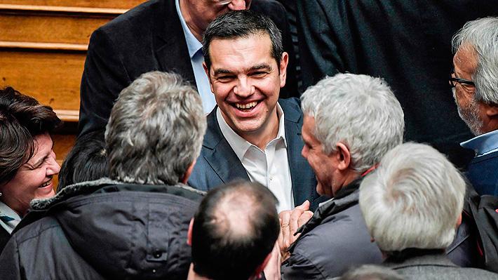 Primer Ministro griego logra apoyo del Parlamento para seguir en el poder tras quiebre por acuerdo con Macedonia