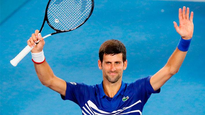 Djokovic avanza y rival de Chile en la Davis se retira: Los resultados de la jornada en el Abierto de Australia