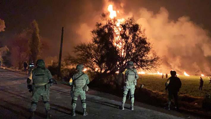Explosión en toma clandestina de combustible deja al menos 20 fallecidos en México