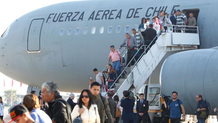 Unos 2.000 chilenos exiliados en Venezuela exigen 3 años de pensión a Maduro