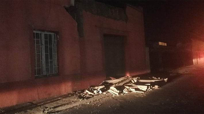 Dos fallecidos y más de 30 réplicas: El balance de las primeras horas tras el 6,7 en la zona centro-norte del país