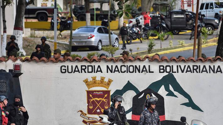 Confirman detención de 27 militares por sublevación contra Maduro en Venezuela
