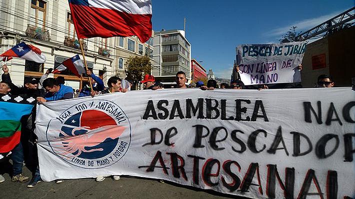 """Ingreso de veto a """"ley de la jibia"""" queda en suspenso: Pescadores artesanales dan ultimátum de 48 horas"""