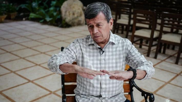 """ELN espera que se """"reanuden las conversaciones"""" con Colombia y pide al gobierno """"garantías para el retorno"""" de su delegación"""