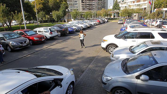 Polémica por estacionamientos exclusivos para mujeres en ciudad alemana
