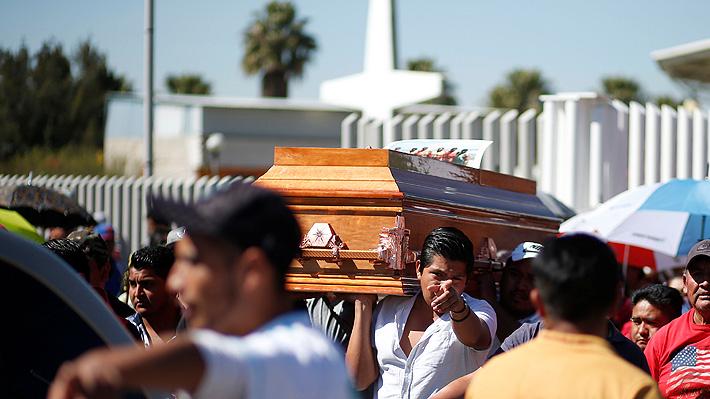 Tragedia en México: Cementerio de ciudad de explosión no tiene espacio para albergar a los 98 muertos