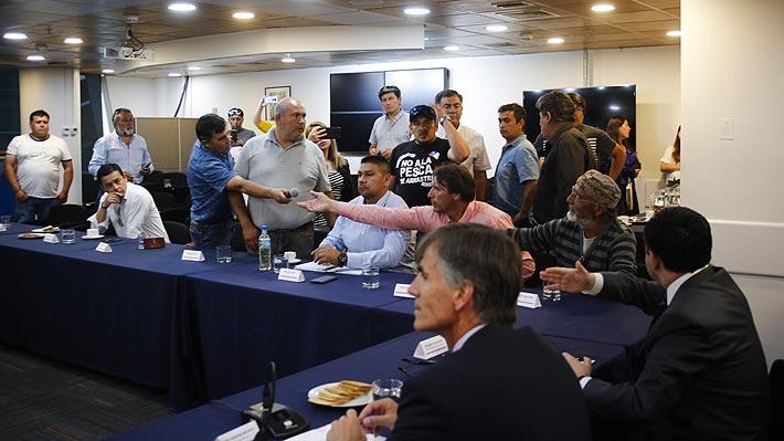 Tras tensa reunión con pescadores, Valente anuncia que no se presentará el veto a la Ley de la Jibia