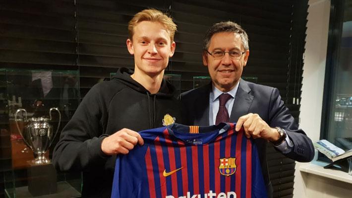 Llega nueva competencia para Vidal: Barcelona oficializa el fichaje de joven mediocampista holandés