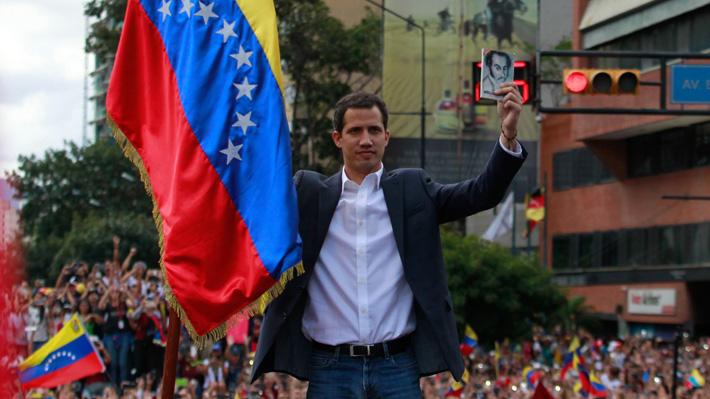 """Quién es Juan Guaidó, el autoproclamado """"Presidente encargado"""" de Venezuela"""
