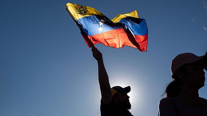 """China muestra su apoyo a Maduro y censura """"intrusión"""" de EE.UU. en Venezuela"""
