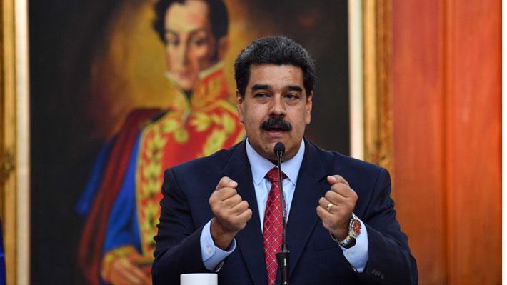 """Maduro acusa una """"campaña de desinformación"""" en su contra luego de proclamación de Guaidó"""