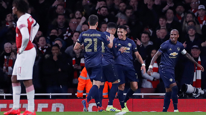 Alexis respondió a las pifias del público del Arsenal con un golazo que abrió la ruta del triunfo del imparable United en la FA Cup