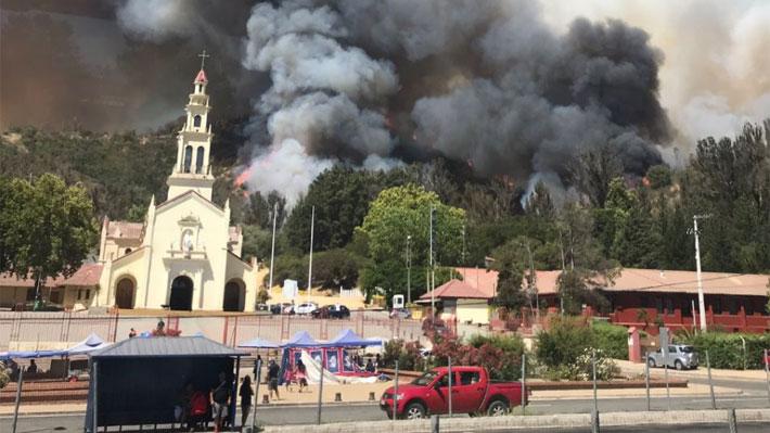 Detienen a presunto autor de incendio forestal que afecta a Casablanca, cercano al Santuario Lo Vásquez