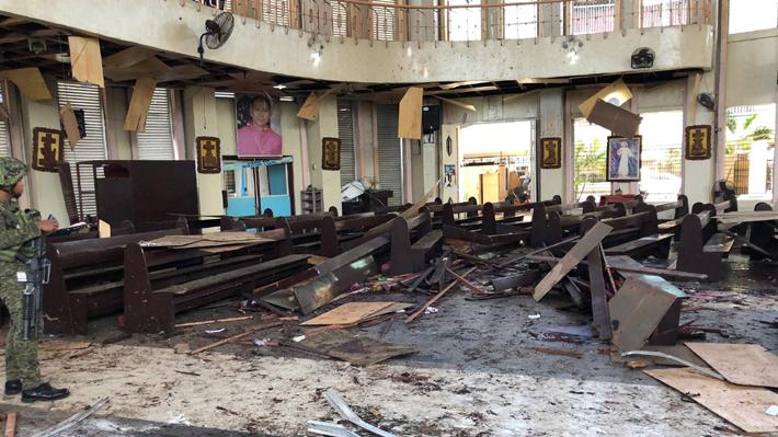"""EI se reivindica el atentado en Filipinas y Papa pide la conversión del """"corazón de los violentos"""" que lo llevaron a cabo"""