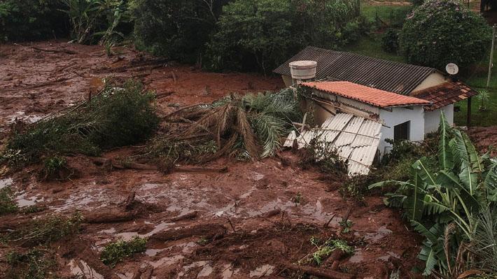 Aumenta a 58 la cifra de fallecidos tras la rotura de una represa minera en Brasil