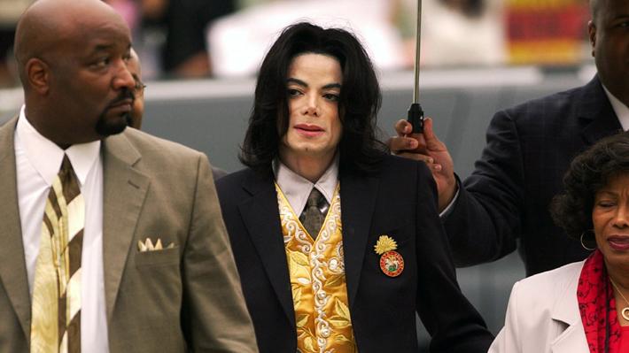 Documental que presenta testimonios de presuntas víctimas de abuso de Michael Jackson, indigna a familiares del artista