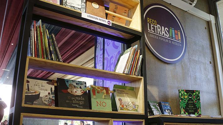 Recoleta inaugura biblioteca popular que promete vender libros hasta un 70% más barato que el mercado