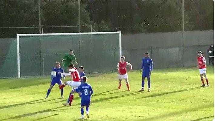 """""""¿Bruce Lee?"""": Mira el golazo con que joven futbolista chileno deslumbró en Portugal"""