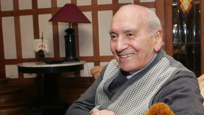 """Canonistas por caso Renato Poblete: La investigación es """"necesaria"""" aunque no habría sanciones eclesiásticas"""