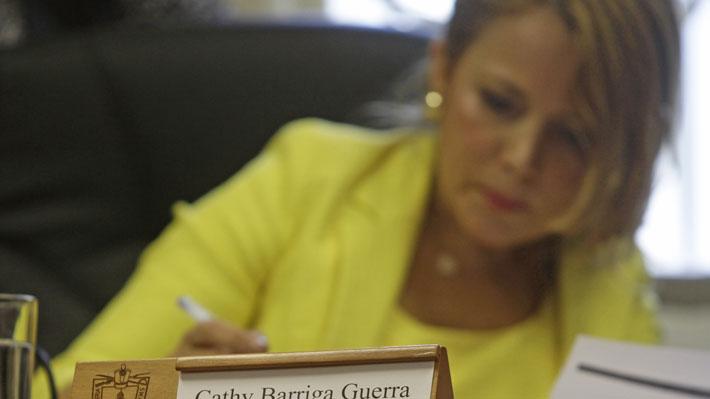 Tribunal revisará querella por injurias y calumnias interpuesta por Cathy Barriga contra María Luisa Cordero