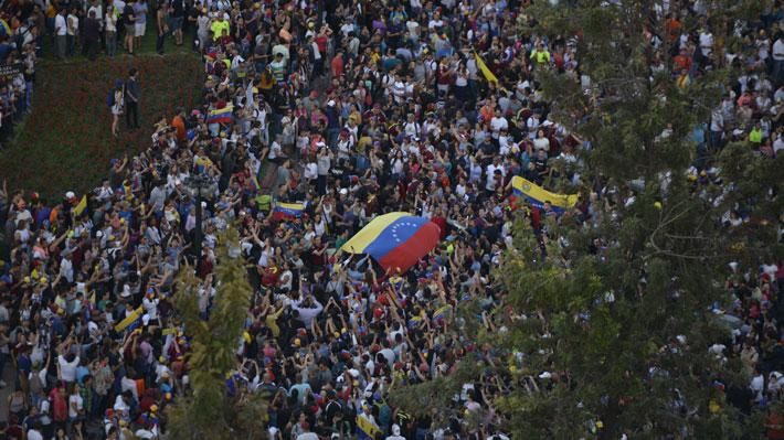 """Oposición venezolana en Chile dice sentirse """"violentada"""" por respaldo del PC a Maduro"""