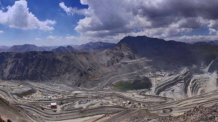 """Anglo American confirma despido de 180 trabajadores de Los Bronces ante """"mayores costos"""" y """"viabilidad futura de la mina"""""""