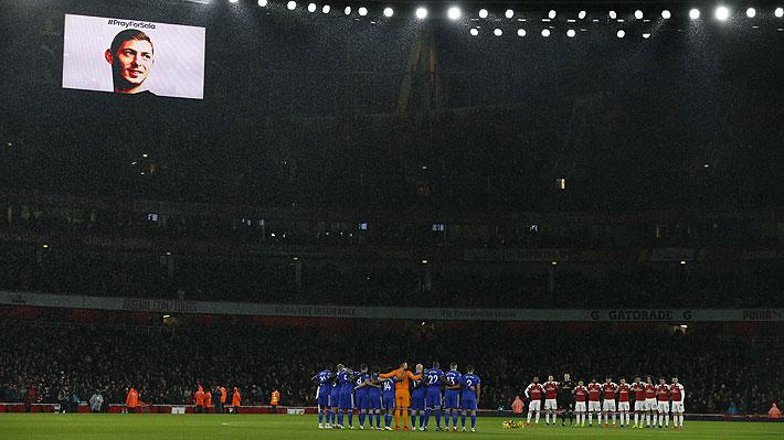 Conmovedor: Los emotivos gestos que marcaron el primer duelo del Cardiff tras la desaparición de Emiliano Sala
