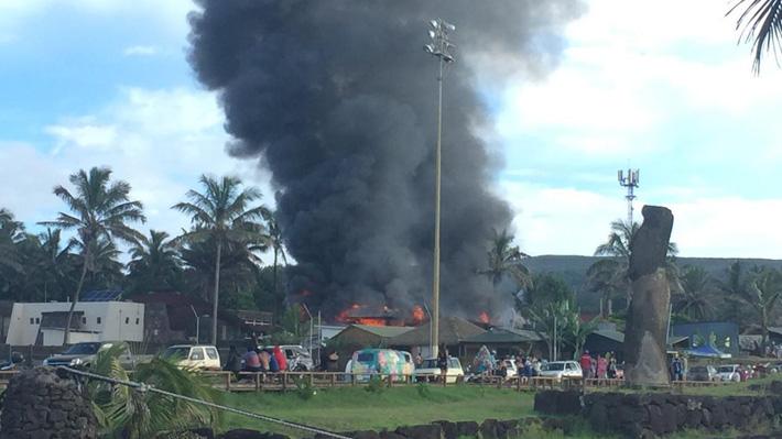 Queman Juzgado de Letras y Garantías de Rapa Nui tras manifestación por homicidio