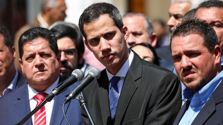 Tribunal Supremo prohíbe a Guaidó salir de Venezuela y congela sus cuentas