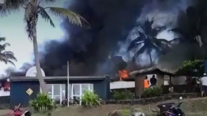 Intendente de Valparaíso anuncia querella criminal por incidentes que terminaron con tribunal de Rapa Nui incendiado