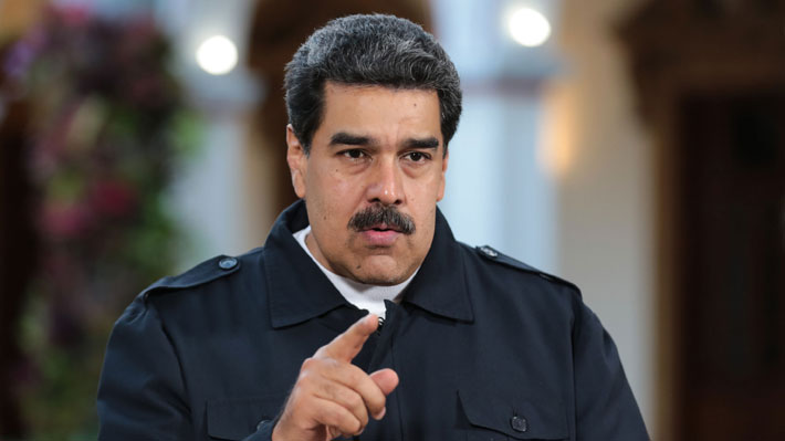 """Colombia le niega el ingreso a más de 200 personas por su """"estrecha"""" relación con Nicolás Maduro"""