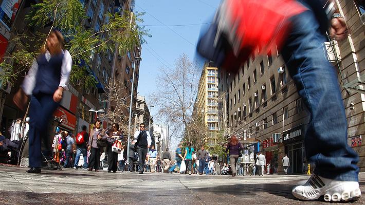 Tasa de desempleo en Chile sube a 6,7% entre octubre-diciembre ante importante incremento de la fuerza de trabajo