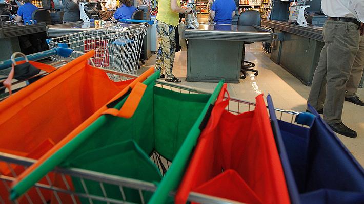 Protegiendo el medio ambiente: Tips para no olvidar las bolsas reutilizables al salir de compras