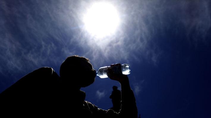 Evento extremo de altas temperaturas: Pronostican 38°C en Santiago y récord de 36°C en Aysén