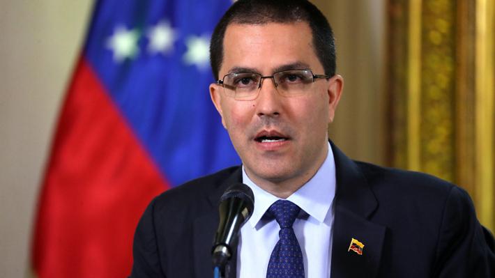 """Canciller de Venezuela acusa a EE.UU. de ser """"belicista e injerencista"""" tras declaraciones de Mike Pence"""